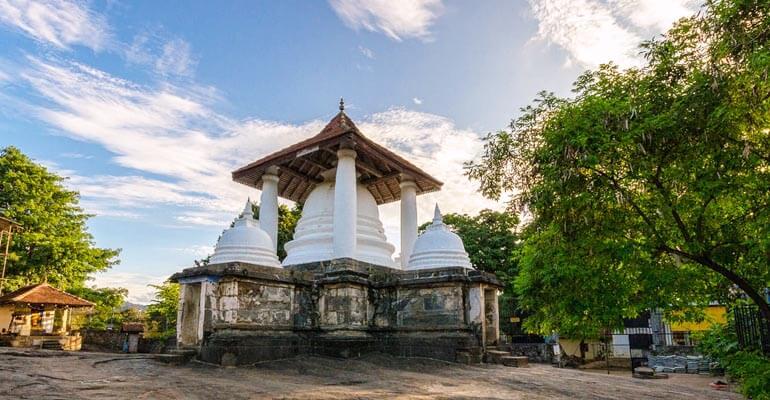 Gadaladeniya Ancient Buddhist Temple